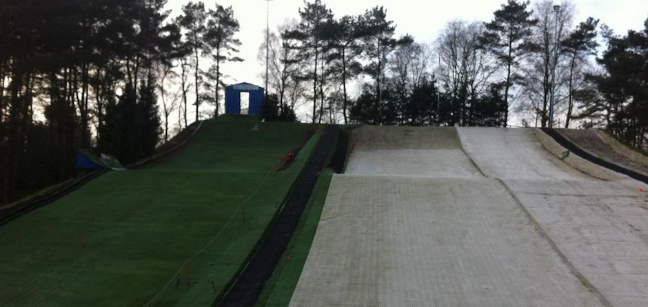 Een combinatie van vijf baan maken Skicentrum Soesterberg geschikt voor beginners en gevorderde skiers en snowboarders